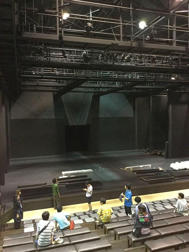 利賀大山房 舞台